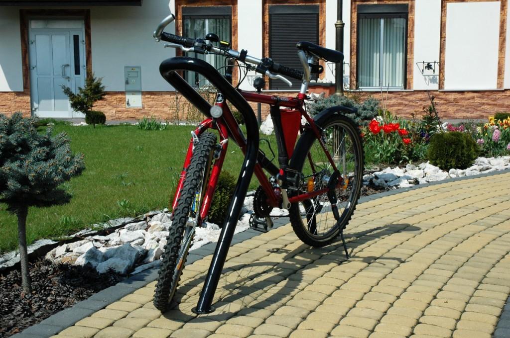 meble-miejskie-producent-stojaki-rowerowe-3-1024x680